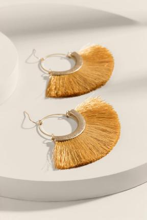 https://www.francescas.com/product/alyssa-tasseled-circle-drop-earrings.do?sortby=priceAscend&refType=&from=fn&ecList=7&ecCategory=100247