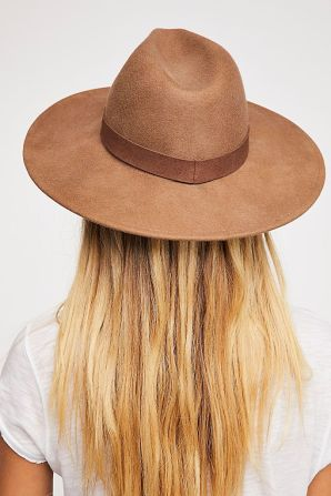 https://www.freepeople.com/shop/beaumont-suede-band-felt/?category=hats&color=011&type=REGULAR&size=One%20Size&quantity=1